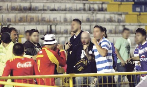 Fight breaks out in stands during match in Costa Rica