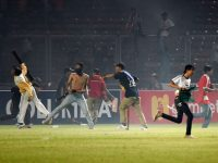 Indonesian top flight match abandoned after clashes