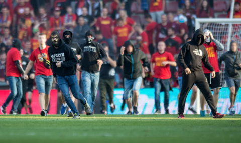Sparta Prague fans storm pitch following defeat to Slavia Prague