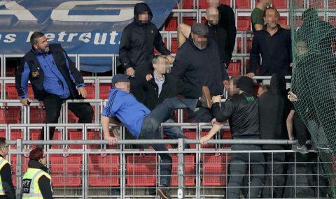 Fans clash at Blau-Weiss Linz v Ried match