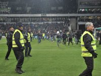 Pitch invasion delays St Etienne-Lyon Ligue 1 clash