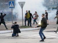 Dynamo Kyiv hools clash with cops at Mariupol