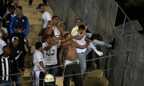 Santos vs Independiente match abandoned after fan trouble