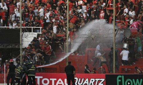 Newell's Old Boys v Villa Mitre match called off due to fan trouble