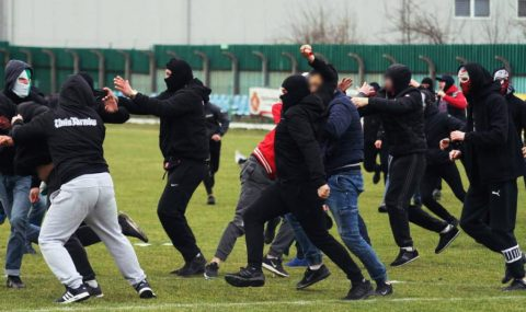 Polish lower-league match abandoned as fans clash on the pitch