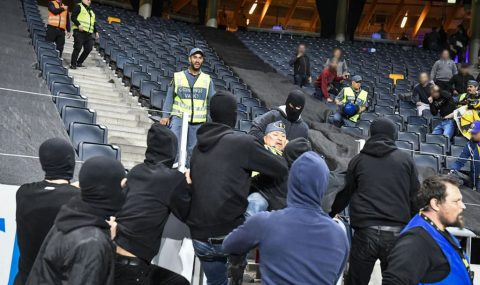 Champions League: AIK hooligans try to storm Maribor end